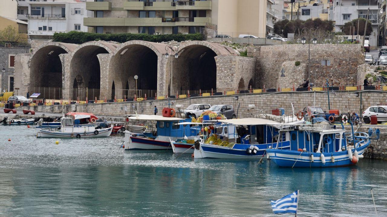 Neori Vechi am Hafen von Heraklion