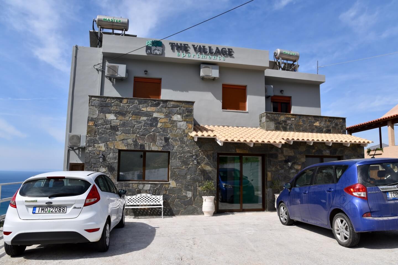 Village Apartments Mirthios Außenansicht